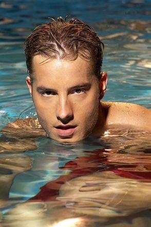 Justin Hartley photos